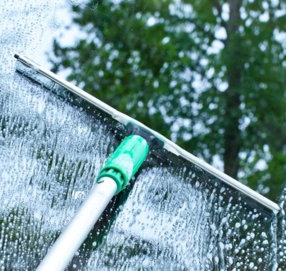Best Way to Clean Windows Inside and Out