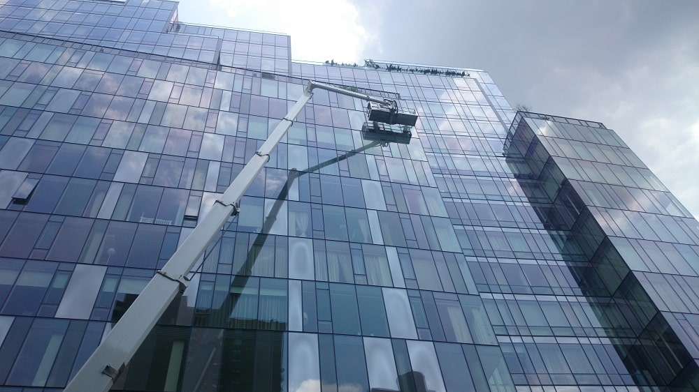 Aerial lift - window cleaning service
