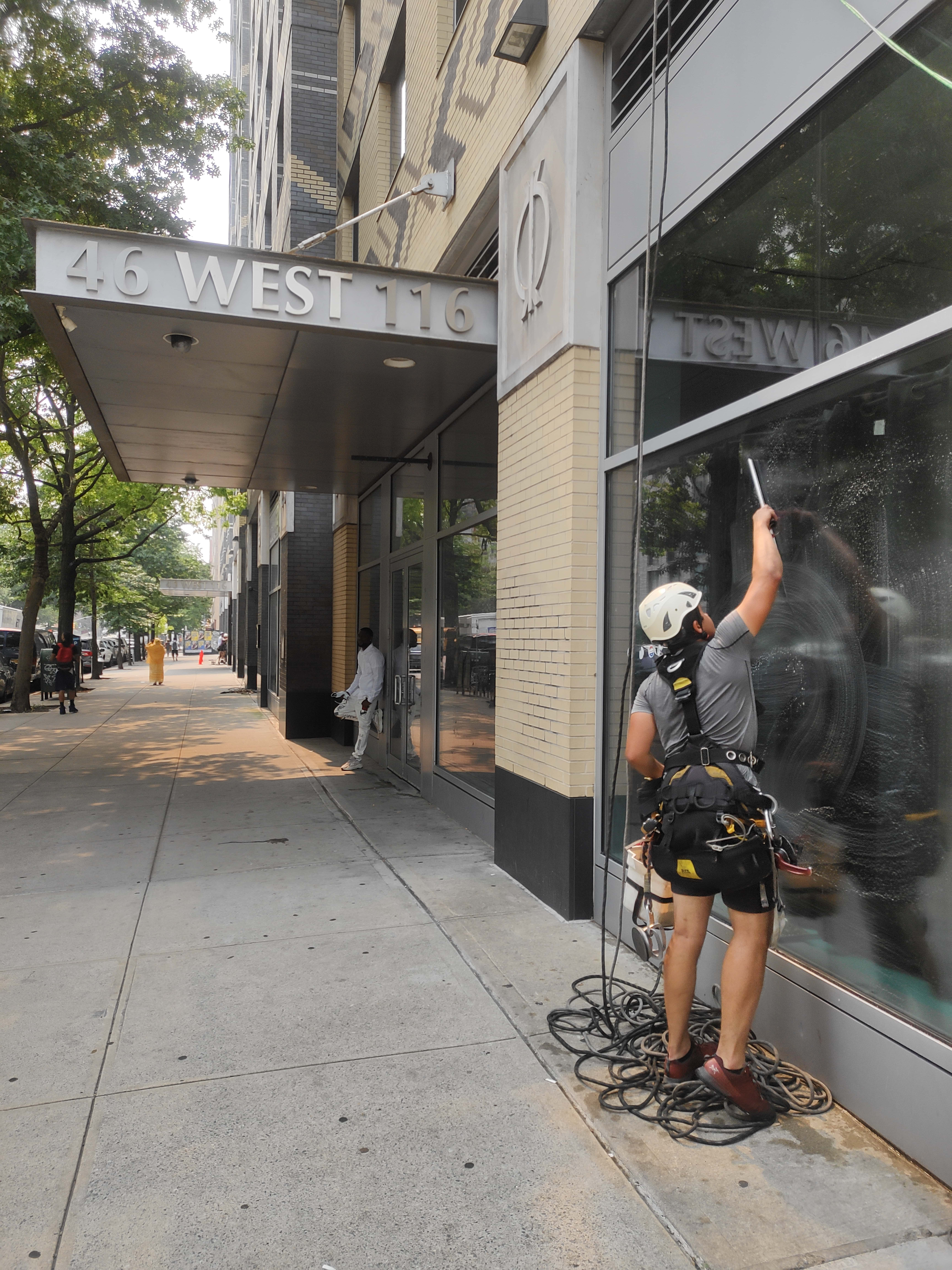 Cleaning fasade building in 40 West 116th Street - Big Apple Window Cleaning