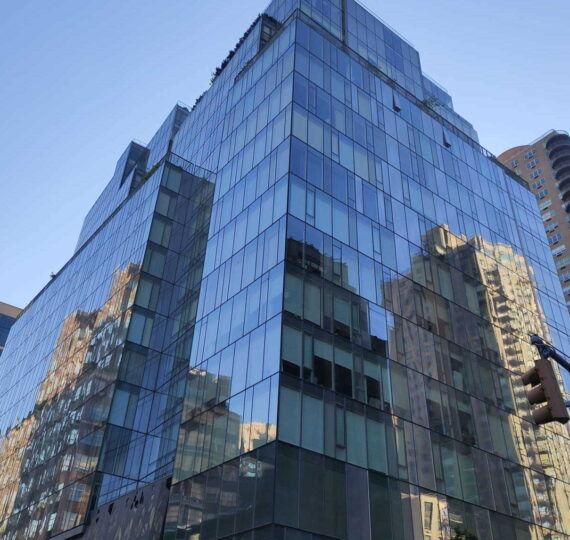 Commercial high rice window cleaning in Manhattan
