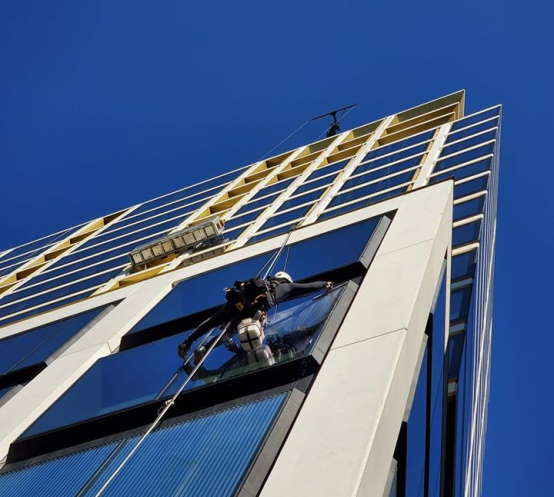 the cost of cleaning windows of commercial buildings