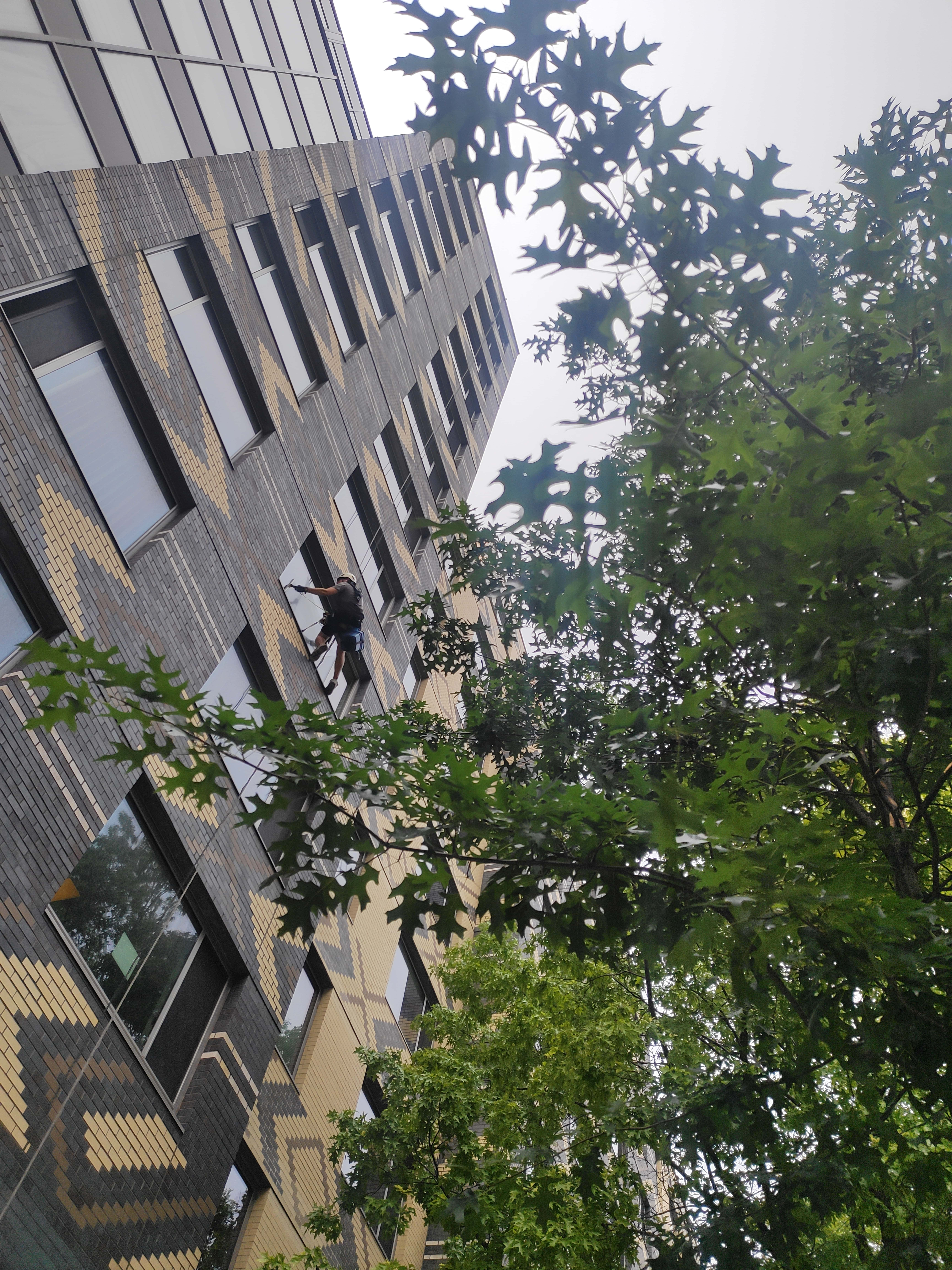 Window cleaning and washing inside and outside Manhattan