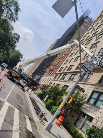 Windows cleaning in 327 Central Park West
