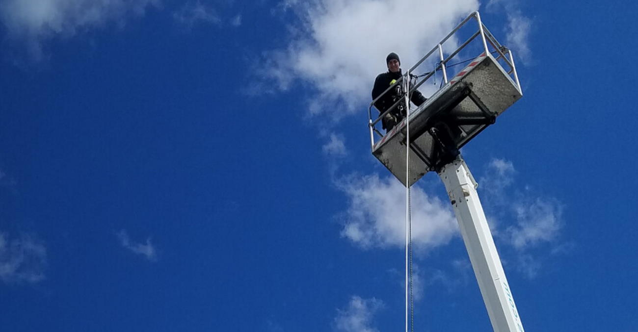 nyc window cleaning with bucket truck