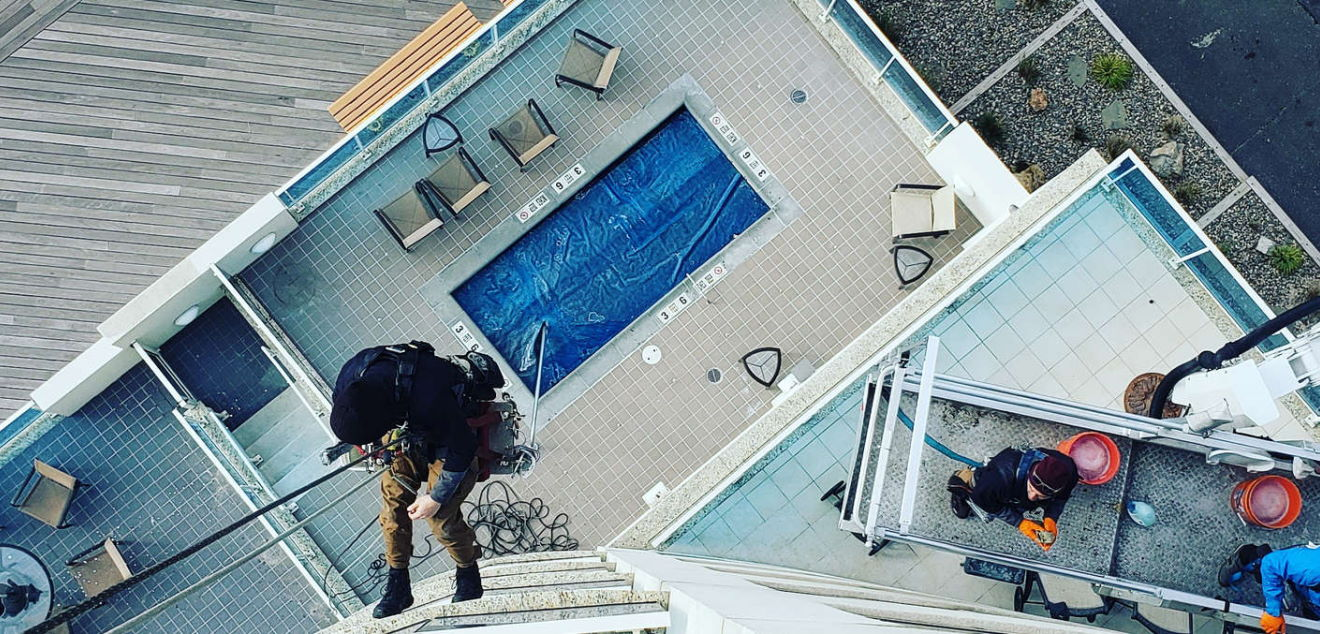 exterior window cleaning service
