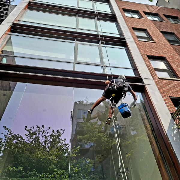 initial window wash New Yourk