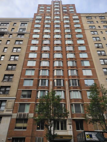 Windows cleaning in 160 West 86th Street