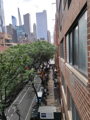 Windows cleaning in 414 West 54th Street